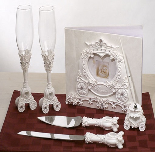 Wedding Coach Sets: Fairytale theme bridal accessories set.